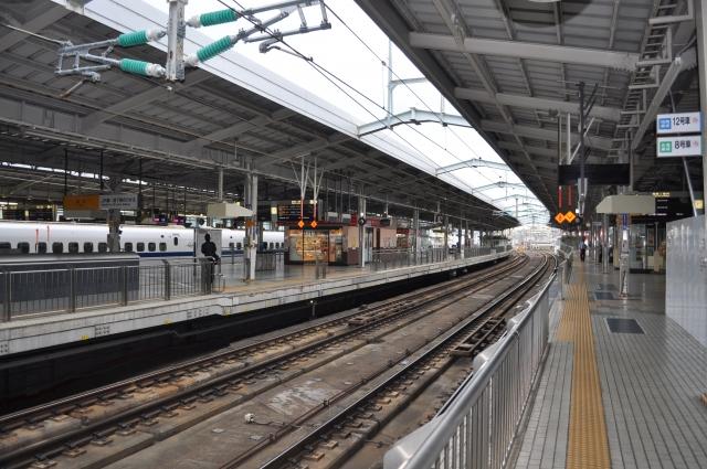 新幹線のホーム