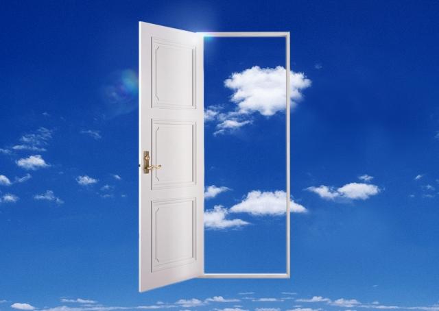 新しいドアの向こう