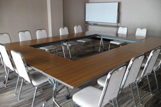 会議室の机